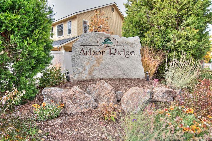 The Arbor Ridge Community